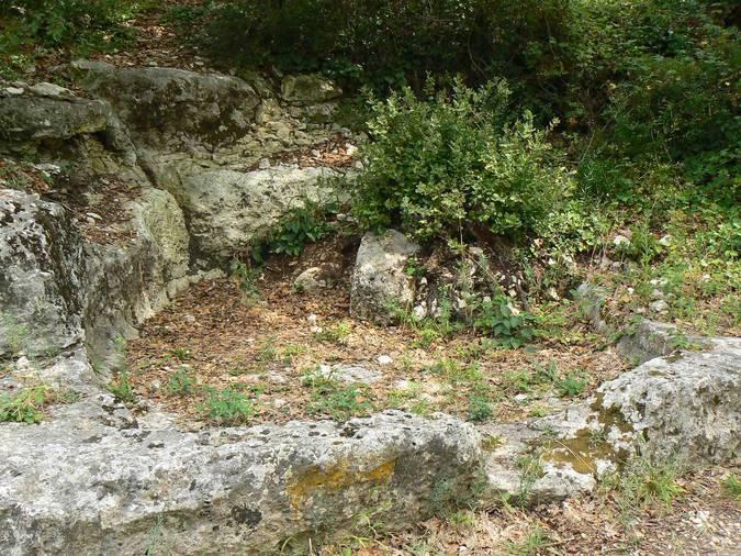 Visuel 2/2 : Cuves vinaires (?) au Val des Nymphes à La Garde-Adhémar