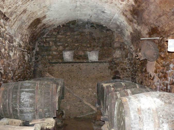 Visuel 4/4 : Cave à vin (Viol du Roux)
