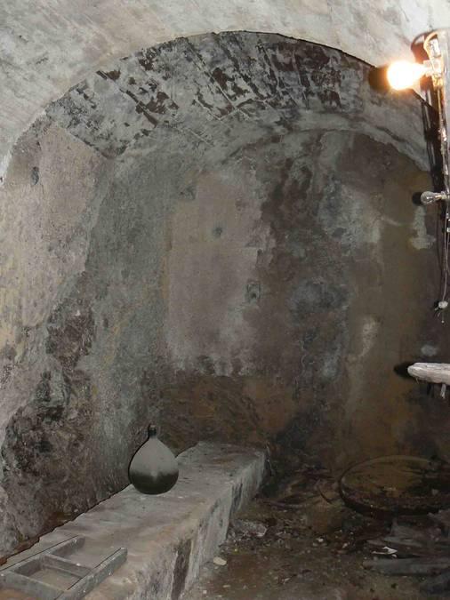 Visuel 2/2 : Cave à vin (Viol de la Côte)