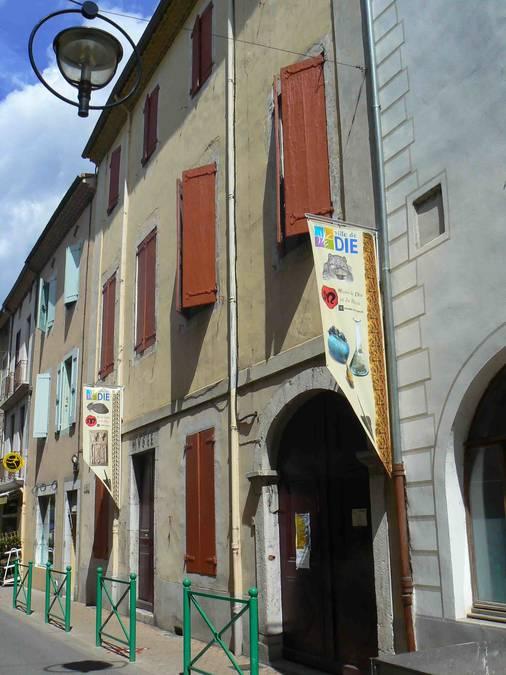 Visuel 3/4 : Cave à vin de la maison Joseph Reynaud à Die