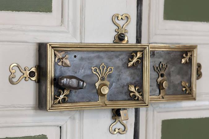 Visuel 3/3 : Décor du salon octogonal du château