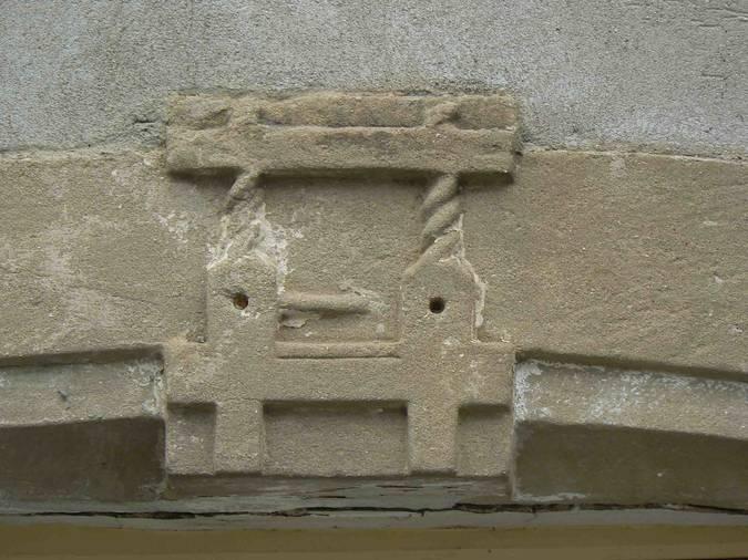 Visuel 2/2 : Linteau sculpté à Montéléger