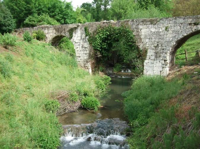 Visuel 1/3 : Aqueduc du « pont de la Dame »