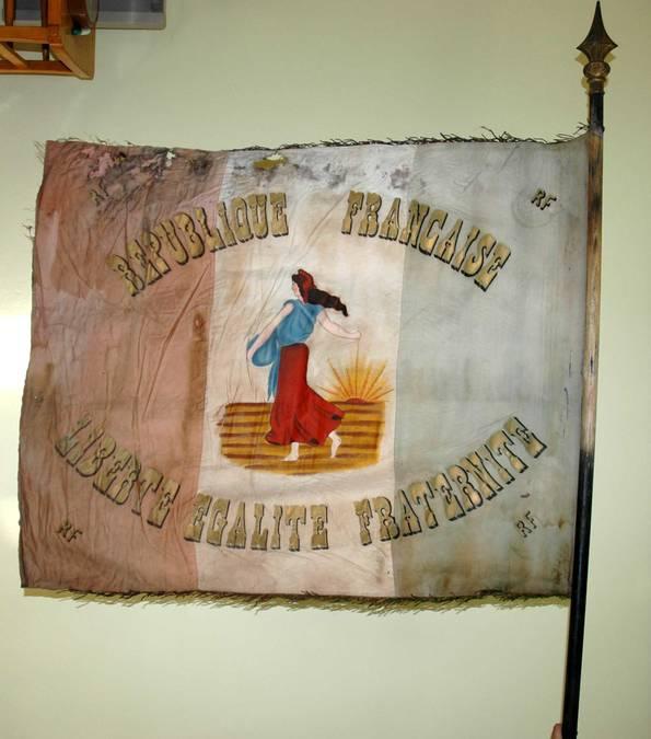 Visuel 5/10 : Collection de drapeaux des conscrits de la classe 1923