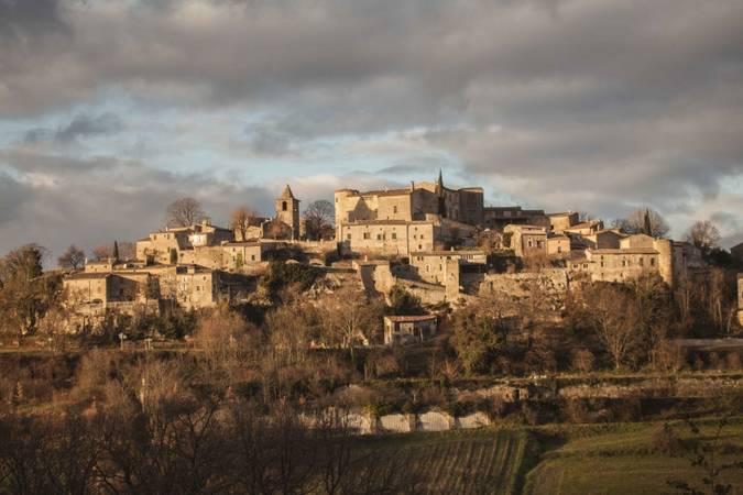Visuel 1/1 : Village perché