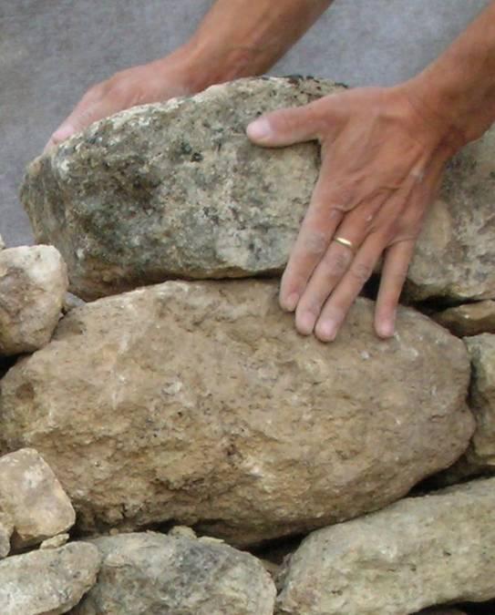 Visuel 1/1 : Une pierre sur l'autre