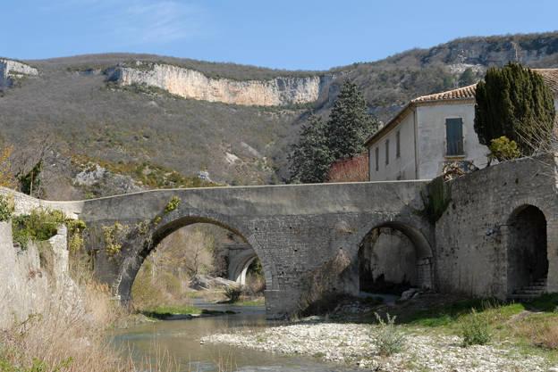 Visuel 1/1 : Vieux pont
