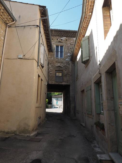 Visuel 2/8 : Rue et quartier du Bourg
