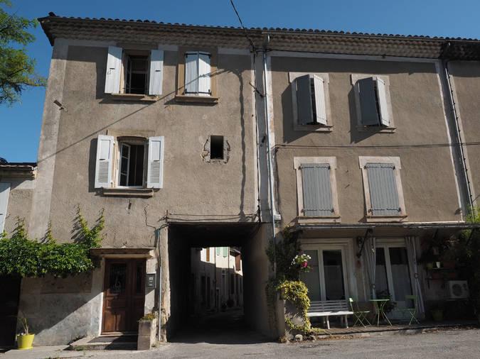 Visuel 3/8 : Rue et quartier du Bourg