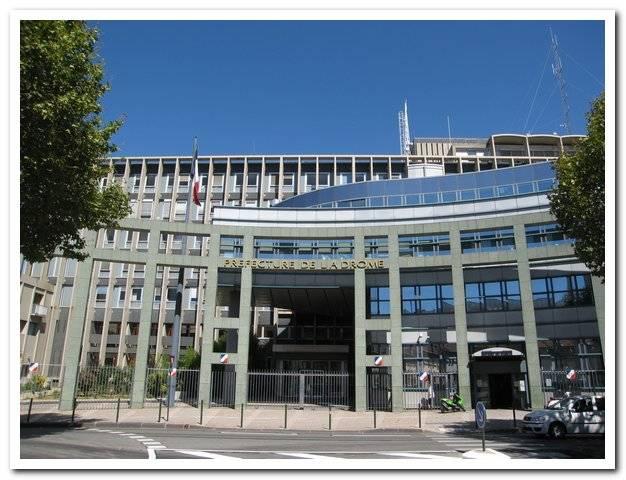 Visuel 2/3 : Préfecture et Hôtel du Département