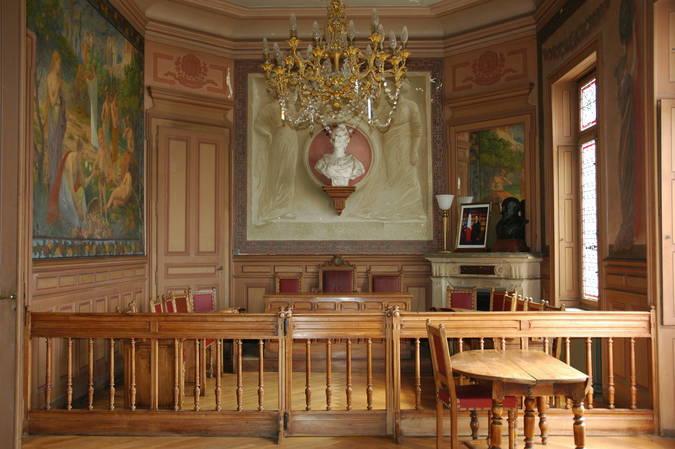 Visuel 1/8 : Décor et mobilier de la salle du conseil municipal