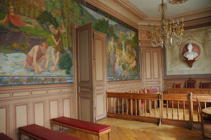 Visuel 2/8 : Décor et mobilier de la salle du conseil municipal