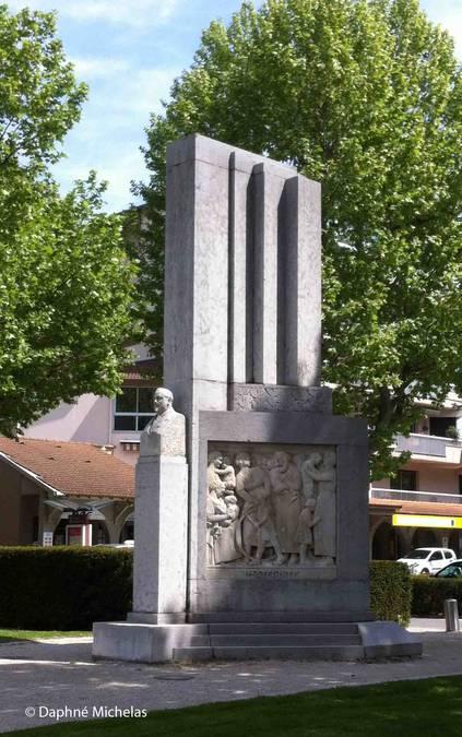 Visuel 1/5 : Le monument de Jules Nadi