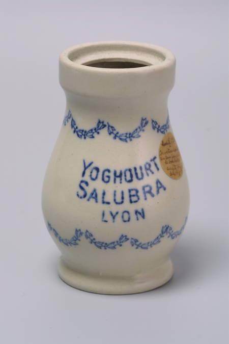 Visuel 1/1 : Pot de yaourt en grès (Maison de la Céramique)