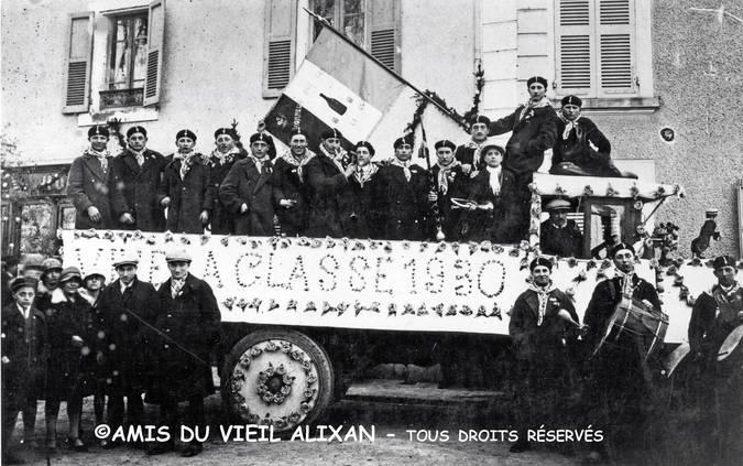Visuel 10/12 : Collection de drapeaux des classes de conscrits