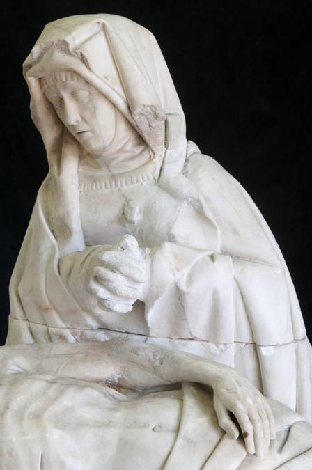 Visuel 3/4 : Vierge de Pitié (église)