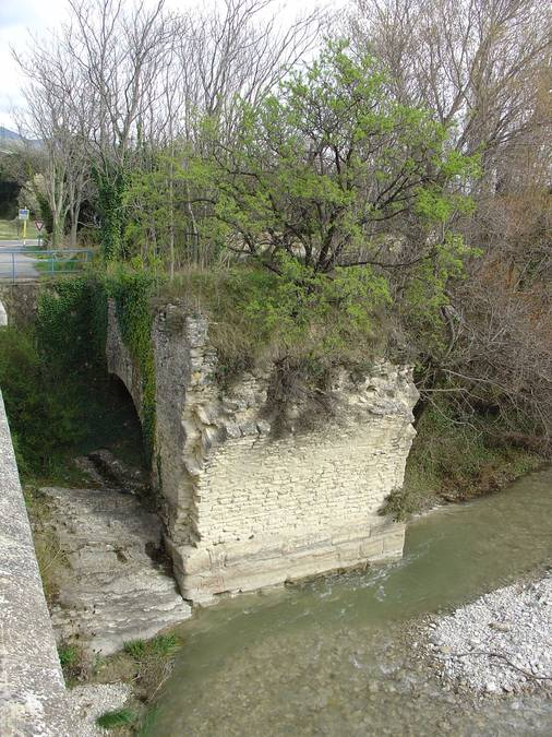 Visuel 1/1 : Pontaujard - pont Gallo-Romain