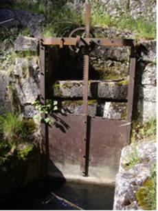 Visuel 4/6 : Le canal des usines