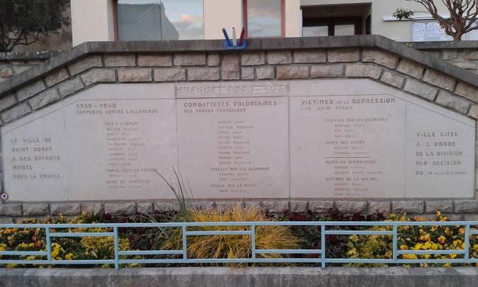 Visuel 3/4 : Les monuments aux morts