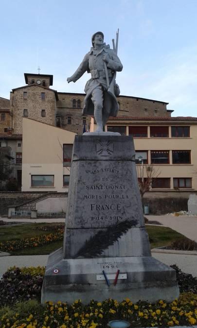 Visuel 2/4 : Les monuments aux morts