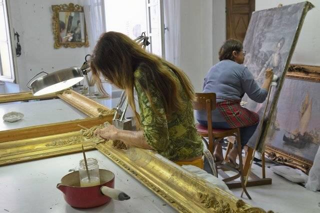 Visuel 1/3 : Restauratrices de peintures, cadres, sculptures et peintures murales (Atelier Jouve-Malfatto)