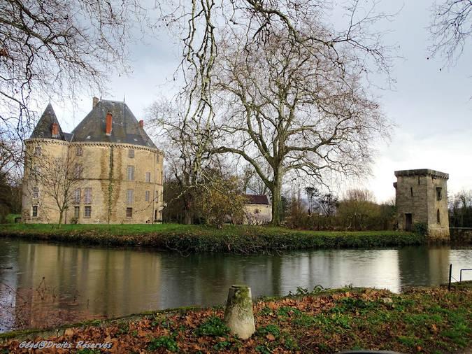 Visuel 1/5 : Le château de Monteynard à Montélier (26)