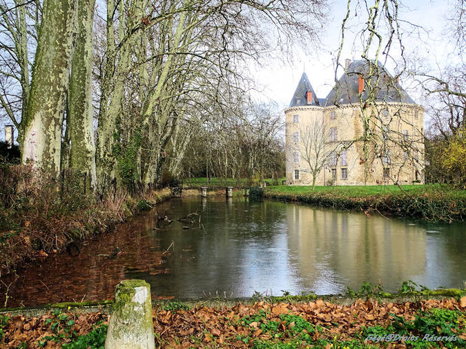 Visuel 2/5 : Le château de Monteynard à Montélier (26)