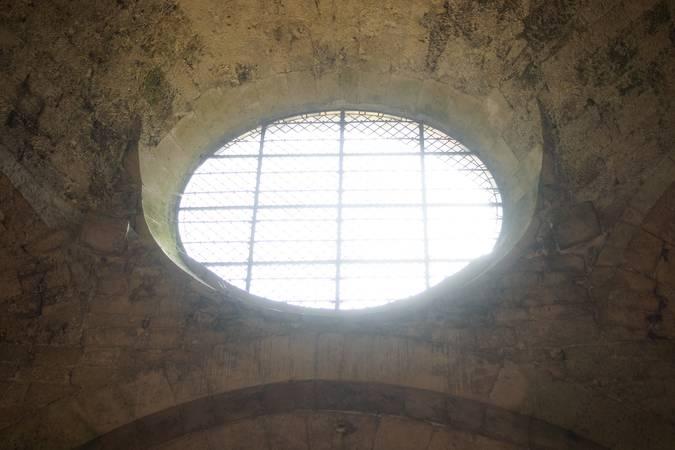 Visuel 1/3 : Abbaye : les symboles dans l'église