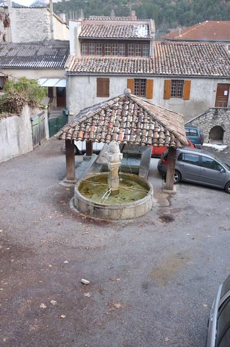 Visuel 1/2 : Fontaine du cimetière et lavoir
