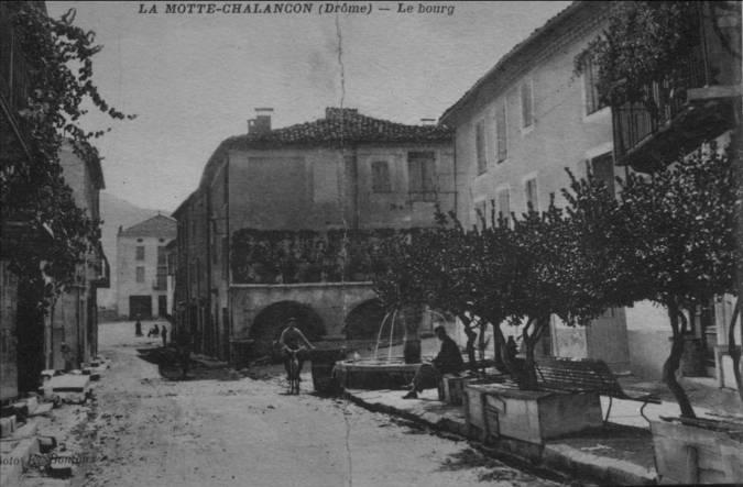 Visuel 1/1 : Place du Bourg