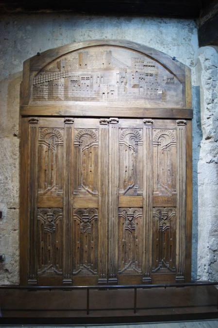 Visuel 1/4 : PORTES DE L'ANCIENNE COLLEGIALE ST SAUVEUR.  Tour Crest