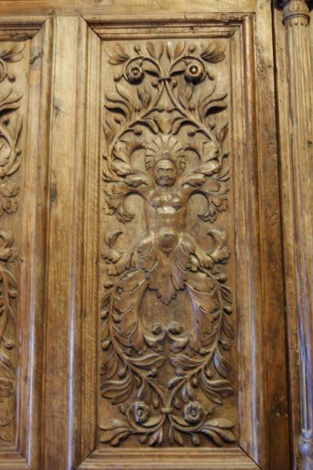 Visuel 4/4 : PORTES DE L'ANCIENNE COLLEGIALE ST SAUVEUR.  Tour Crest