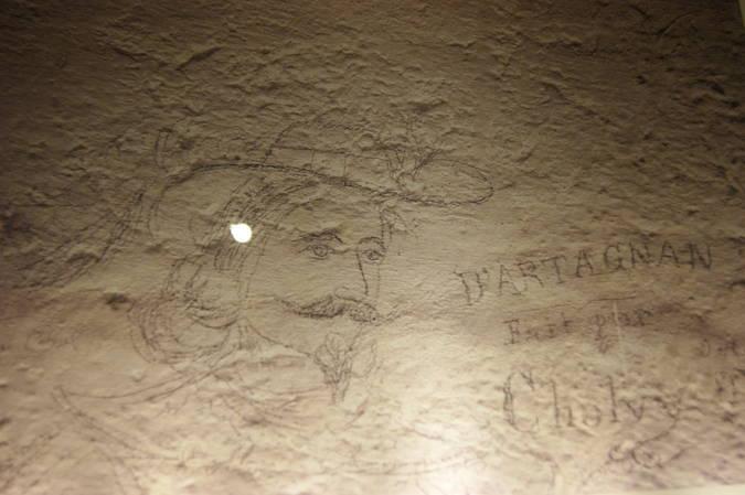 Visuel 1/8 : LES GRAFFITI - La Tour de Crest