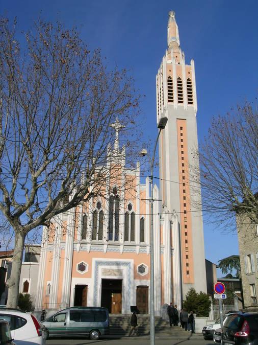 Visuel 1/1 : Eglise Notre-Dame de Lourdes