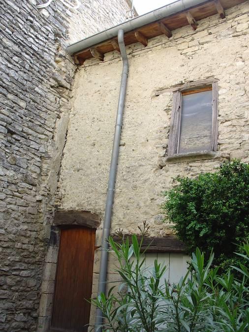 Visuel 1/1 : Façade du XIIIe siècle, bourg castral- Taulignan