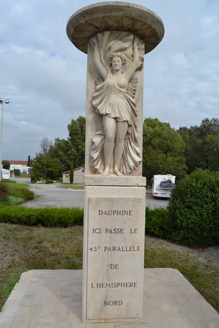 Visuel 1/1 : Le Monument du 45e parallèle à Pont-de-L'isère