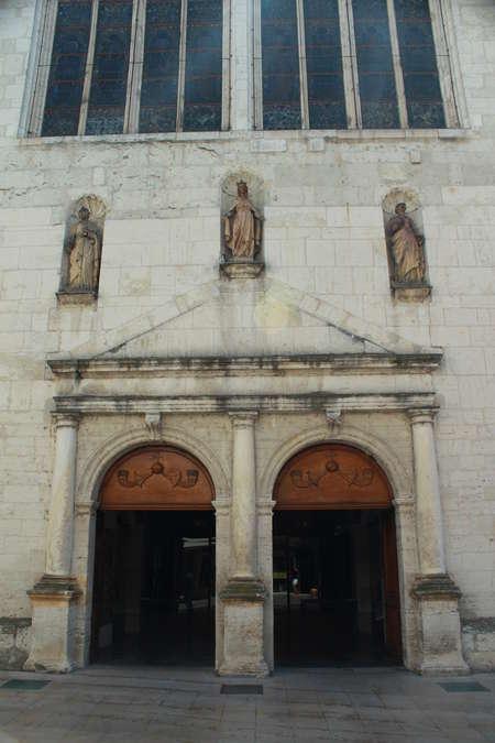 Visuel 2/4 : Église collégiale Sainte-Croix
