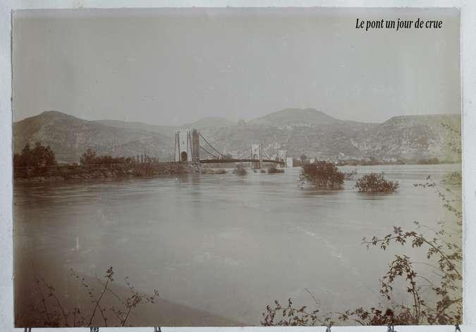 Visuel 6/9 : Le pont de Rochemaure