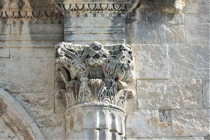 Visuel 24/24 : Église de Saint-Restitut