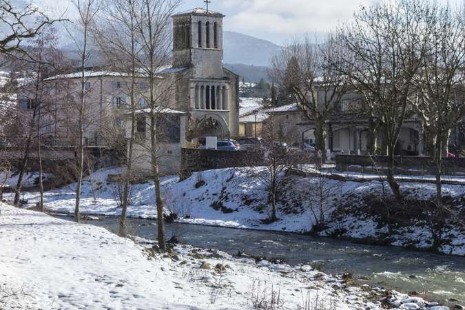 Visuel 1/10 : L'Eglise catholique de Bourdeaux
