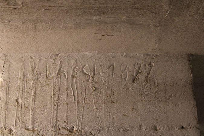 Visuel 4/7 : Inscriptions et graffitis (chapelle des Cordeliers)