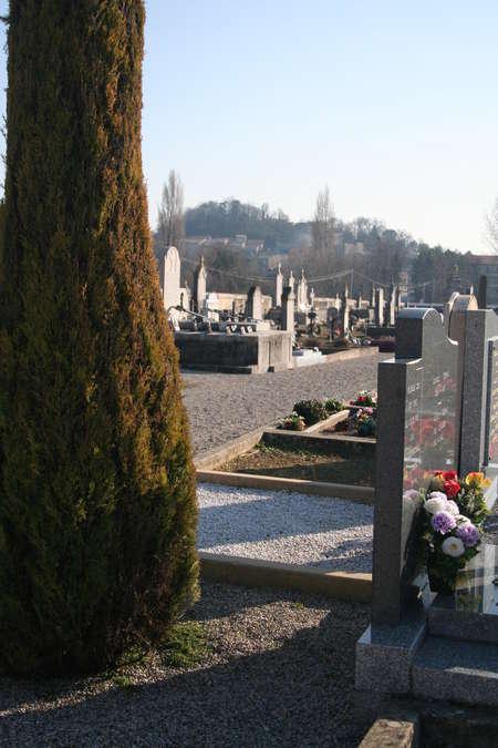 Visuel 2/2 : Le cimetière