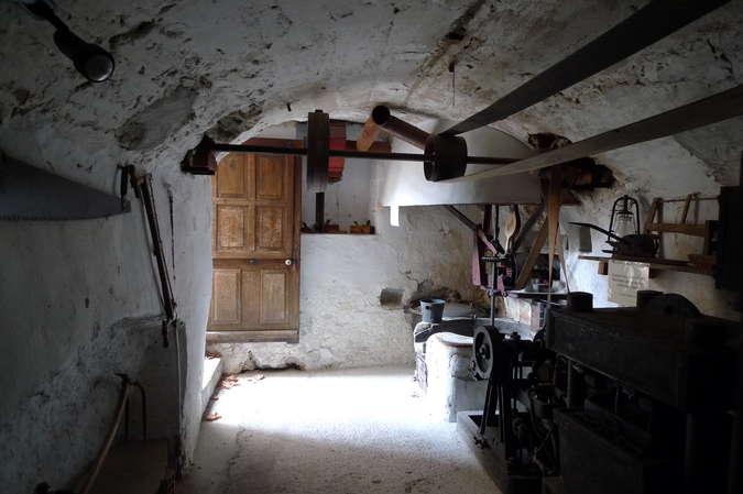 Visuel 1/2 : Moulin à huile