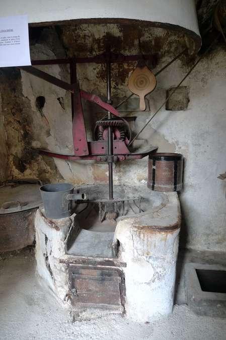 Visuel 2/2 : Moulin à huile