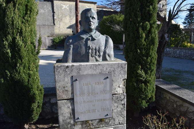 Visuel 1/1 : La stèle d'Albert Roche