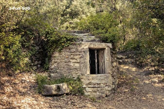 Visuel 2/2 : Puits du vieux village