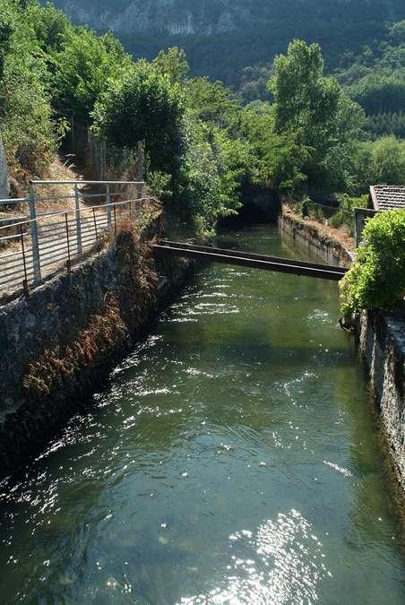 Visuel 4/4 : Canal de la Bourne et aqueduc