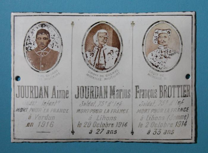 Visuel : Médaillons commémoratifs de la Première Guerre mondiale