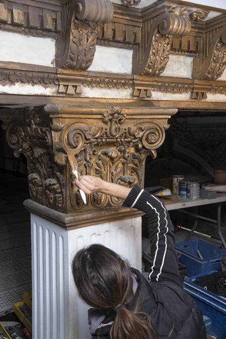 Visuel : Le salon doré de l'Auberge des Dauphins retrouve son éclat (Saoû)